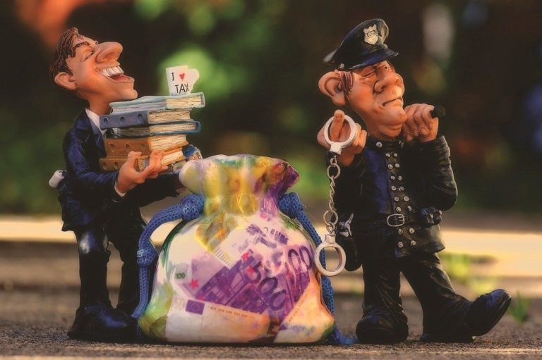 Professionnel du droit : quelle solution CRM pour gérer ses contacts ?